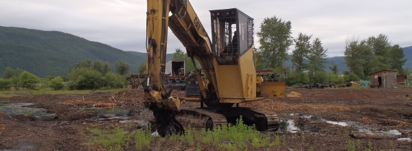 Currently Dismantling – Cat 325 Excavator for Parts